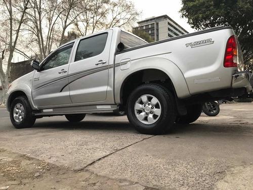 Toyota Hilux 3.0 Srv D/c 4x2