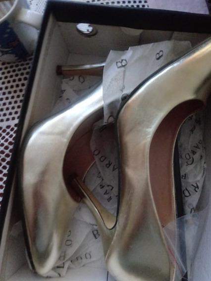 Zapatos Estilettos Dorados Talla 40...nuevos