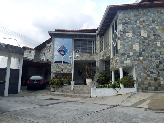 Casa Urbanización Arunachala Av Ula
