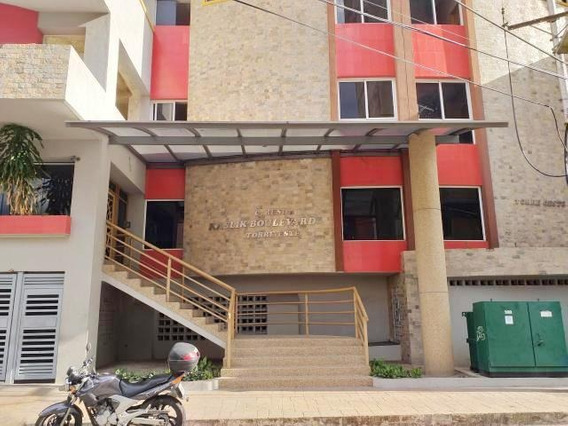 Patricia Molvinni Vende Apartamento Los Caobos # 20-5166 Pm