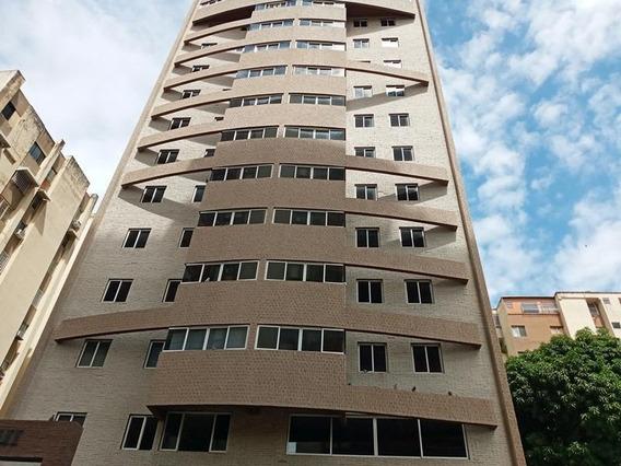 Apartamento En Venta Prebo I Valencia Carabobo 20-5836 Prr