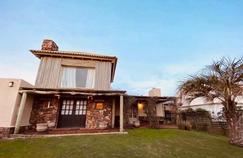 Casa En Alquiler Por Temporada De 4 Dormitorios En Jose Ignacio