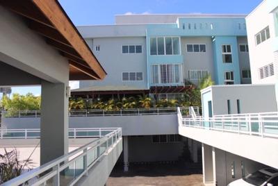 Apartamento En El Sector De Los Prados Con 170 Metros