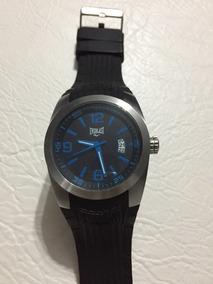 Relógio Everlast Original Fundo Preto E Detalhes Em Azul.