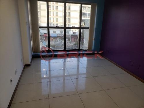Imagem 1 de 9 de Sala Comercial Com 31 M² No Centro. - Sa00114 - 68779291