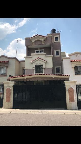 Casa En Venta, 3 Pisos, 4 Recámaras