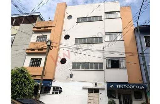Oportunidad Para Inversionistas! Venta Casa 3 Niveles Con Uso De Suelo Mixto San Miguel Chapultepec. Precio A Tratar