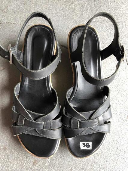 Sandalias De Cuero Negro Con Plataforma 38
