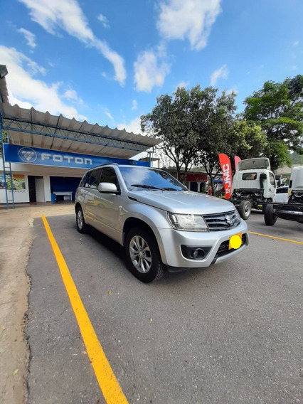 Gran Vitara Suzuki 4x4, Con Bajo Año 2018, Color Gris Plata