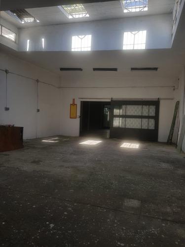 Imagen 1 de 14 de Local Comercial O Deposito 8 Oct. Y Guemes 225mts 1planta