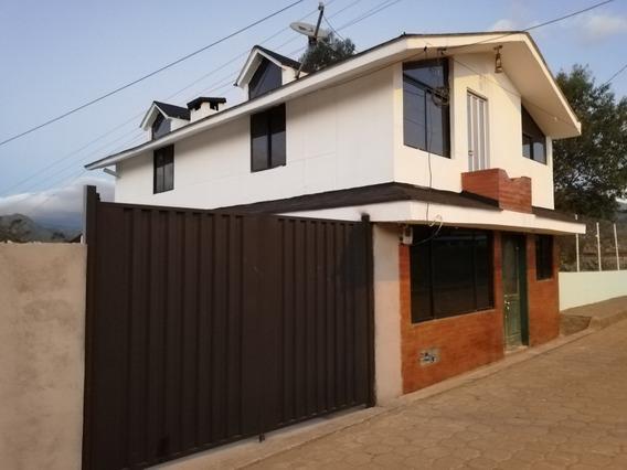 Casa De Tres Dormitorios, Dos Baños, Patio Y Área Para Culti