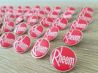 Pin 2,5 Cm Con Logo En Resina.