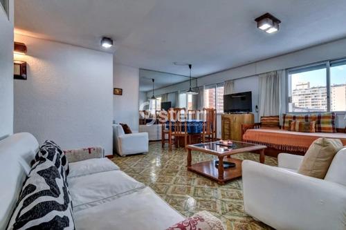 Venta Apartamento 1 Dormitorio Y Medio, Peninsula, Punta Del Este- Ref: 1451