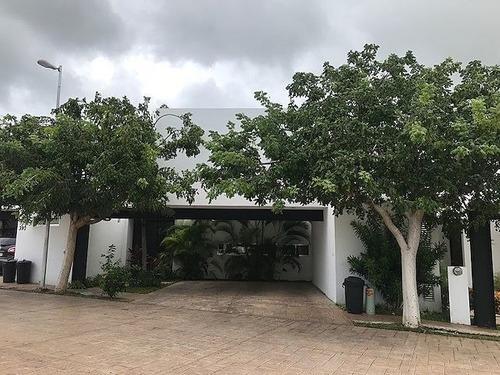 Casa En Condominio En Altabrisa, Mérida