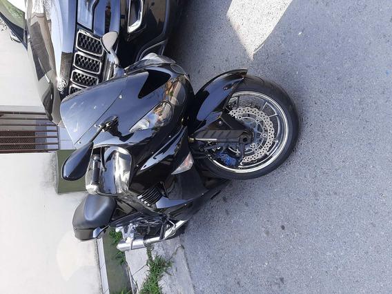 Kawasaki 1400cc Negra
