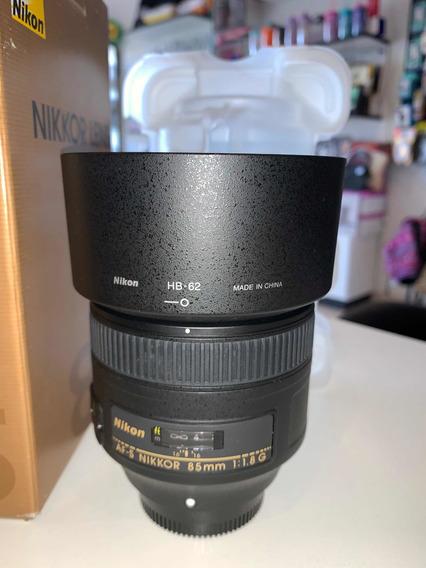 Lente Nikon 85mm 1.8, Usada Apenas Uma Vez, Muito Nova