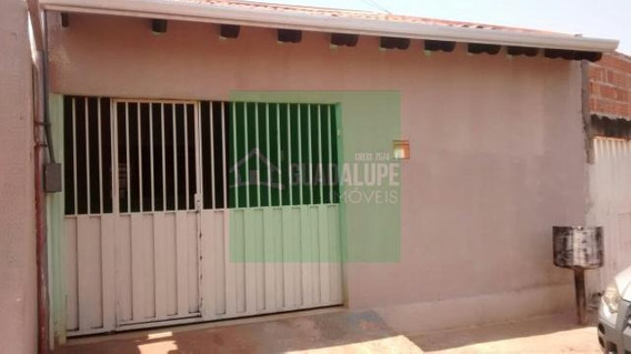 Casa Na Avenida Principal Do Souza Lima