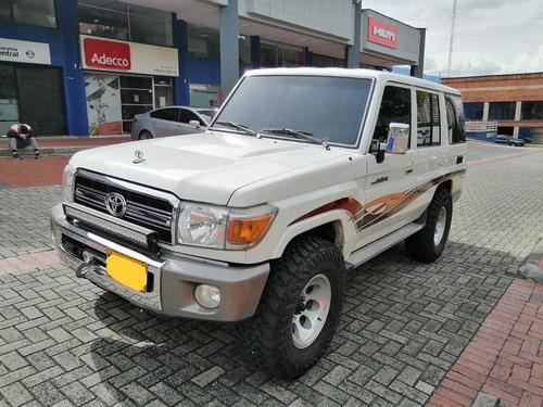 Toyota Land Cruiser 4.2cc Mt Diésel Blindada 2008