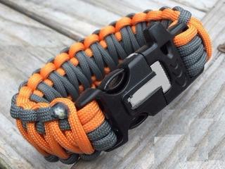 Bracelete Pulseira Tático C/pederneira Paracord Com Apito