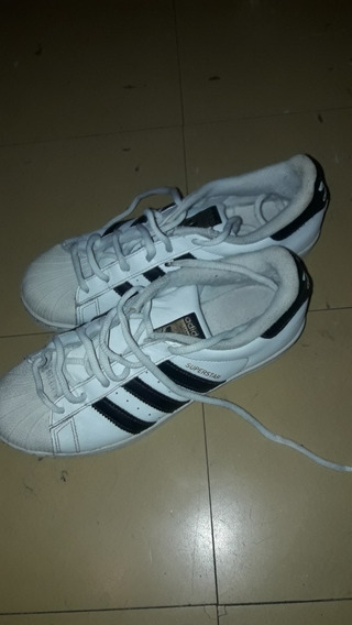 Zapatillas adidas Superstar N° 39.