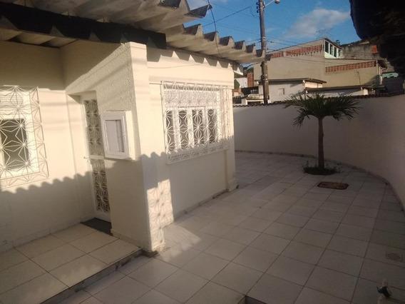 Casa Em Campo Grande, Rio De Janeiro/rj De 187m² 3 Quartos Para Locação R$ 2.000,00/mes - Ca258423