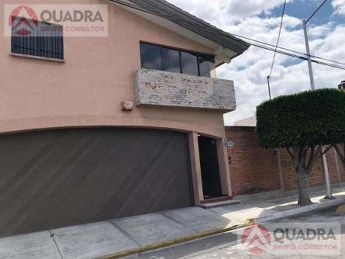 Casa En Venta En Fraccionamiento Estrellas Del Sur, Puebla.