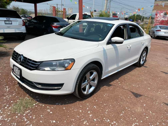 Volkswagen Passat 2.5 Highline L5 Nave At 2014