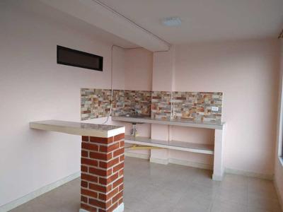Alquilo Apartamento Sector Av. La Independencia