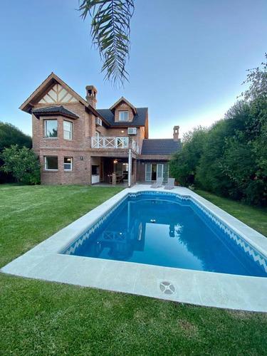 Hermosa Casa En Venta De 3 Dormitorio En Barrio La Alameda, Nordelta