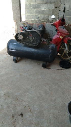 Imagem 1 de 2 de Compressor