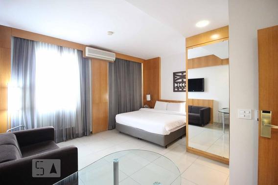 Apartamento No 12º Andar Com 1 Dormitório E 1 Garagem - Id: 892951500 - 251500