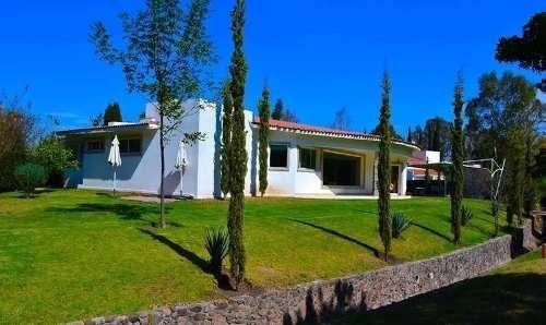 Residencia De Una Planta En Club Campestre San Gil, T.1,300 M2 De Autor!