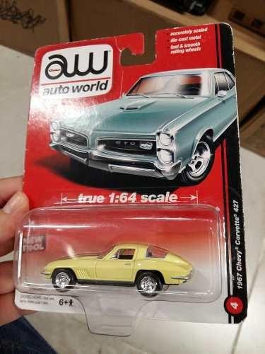 Auto World - 1967 Chevy Corvette 427 - 1:64