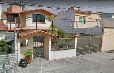 Exclusiva Casa En Remate