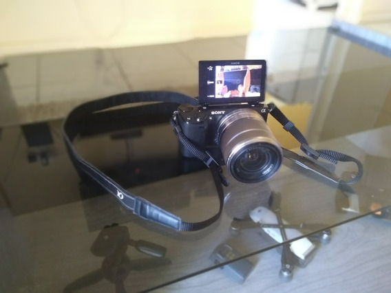 Câmera Sony Nex 5r Com Duas Baterias + Brinde