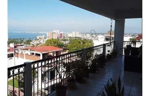 Increible Departamento Con Vista Al Mar Y A Unas Cuadras Del Malecón! Inversión Insuperable!