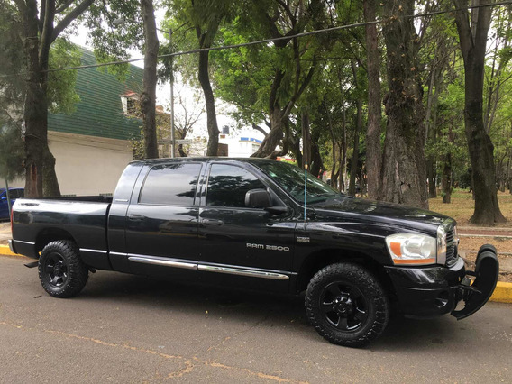 Dodge Ram 2500 5.7 Pickup Mega Cab Laramie 4x2 At 2006