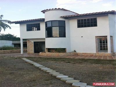 Casa En Venta. Santa Elena Townhouses