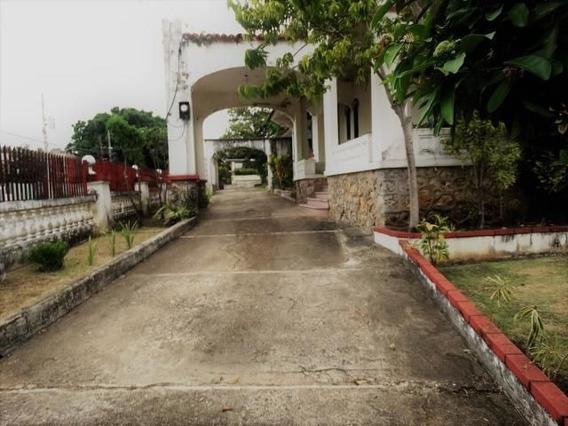 Alquiler Casa Gazcue 7hab. 700mts