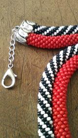 Colar Preto/branco/vermelho
