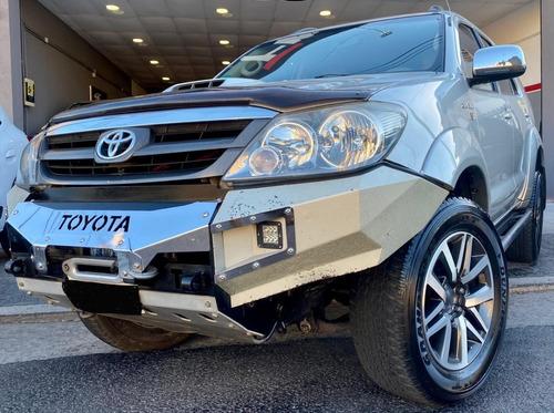 Toyota Hilux Sw4 Srv Cuero 3.0 4x4