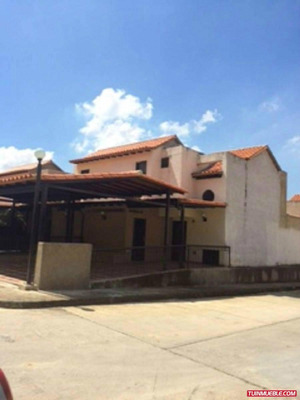 Townhouse Res Altos De Monte Alegre