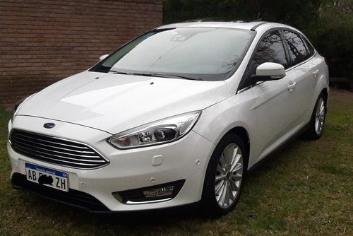Imagen 1 de 15 de Ford Focus Titanium