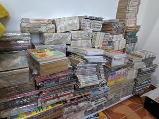 Lote De Mangas/hqs/revistas +- 800 Vol - Ac Proposta