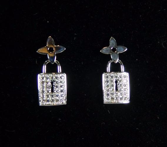 Brinco Pequeno Feminino Cadeado Prata Com Cristal J3083