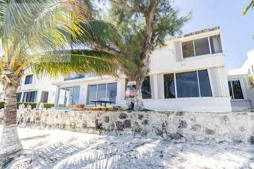 Casa En Venta En Zona Hotelera Frente All Mar En Villas Naha