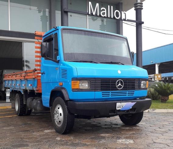 Mercedes-benz 710 Azul Ano 2002