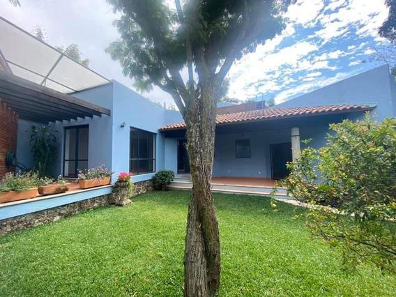 Vendo Casa Con Hermoso Jardín En Tepoztlán