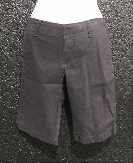 Short Gris Fuerte, Marca Gap 100% Original. Dama. Talla 4.