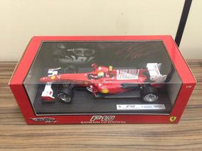 Miniatura Ferrari F10 1:18 Felipe Massa Bahraiw Gp Edition